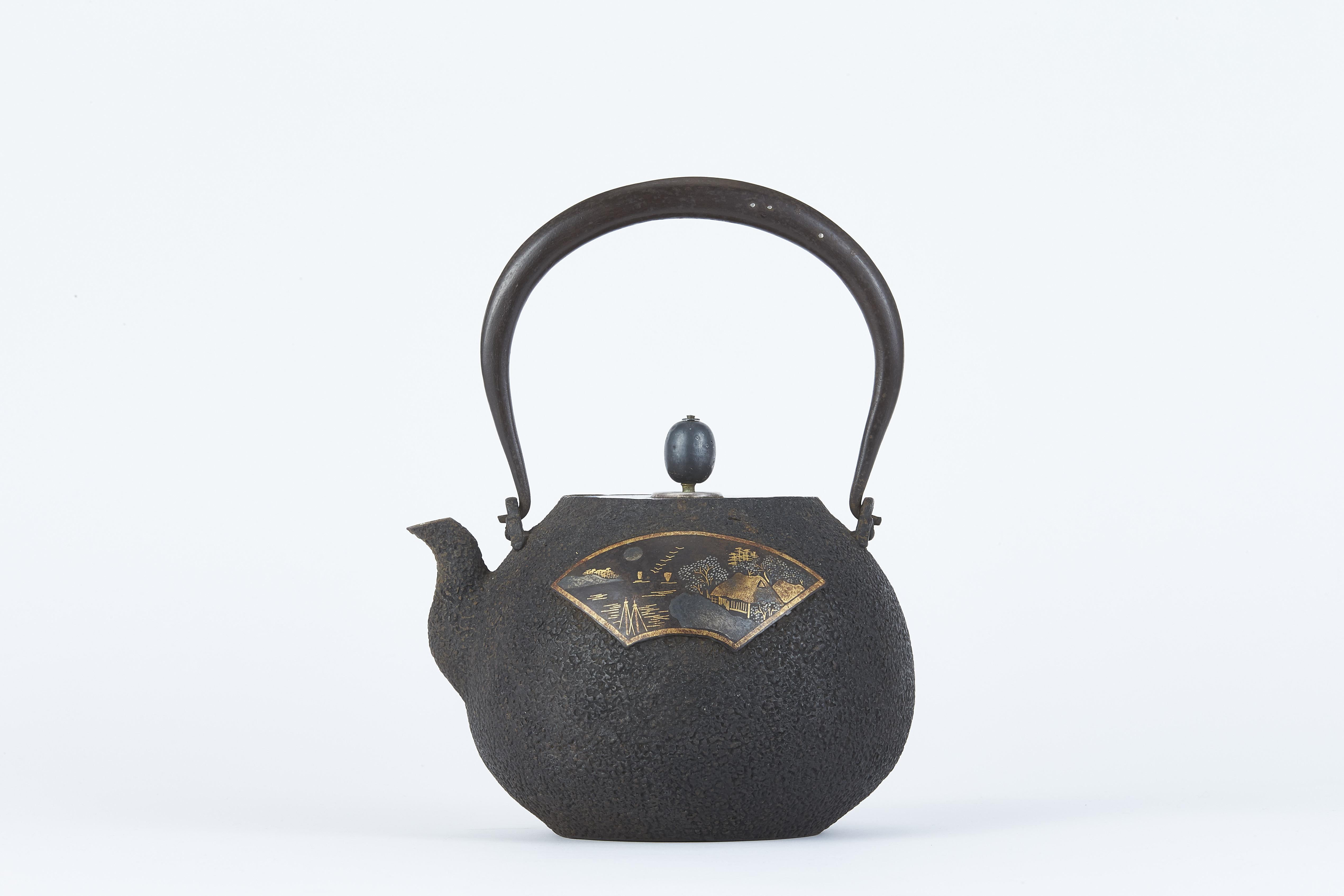 171233「金壽堂」造 金銀象嵌 山水紋 鉄瓶
