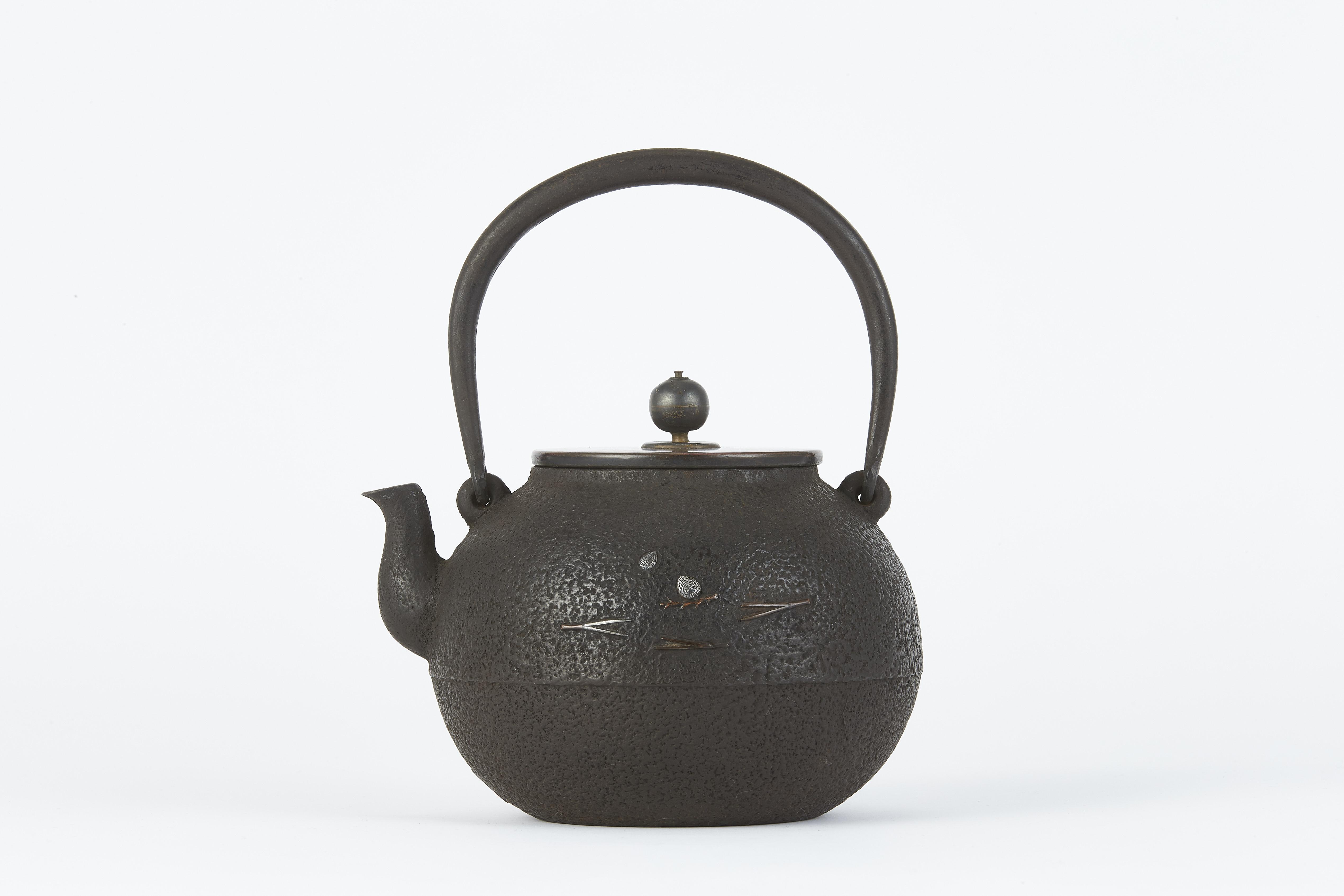 171427「雲色堂」銀象嵌 松鶴紋 鉄瓶
