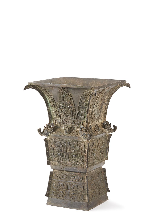 170002明或早期 銅 饕餮紋 方瓶