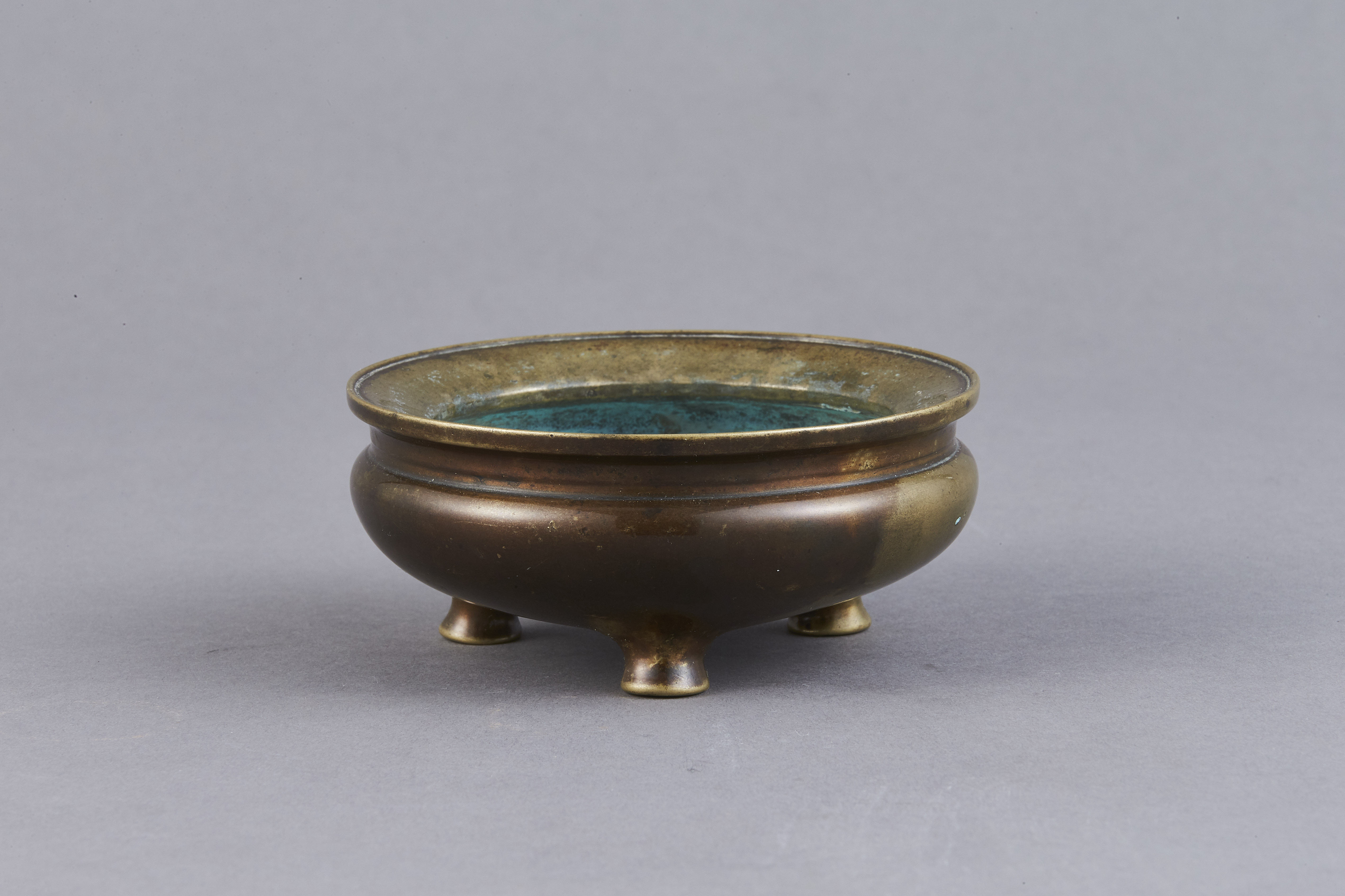 170888明末清初「宣徳年製」款 銅 鬲式爐