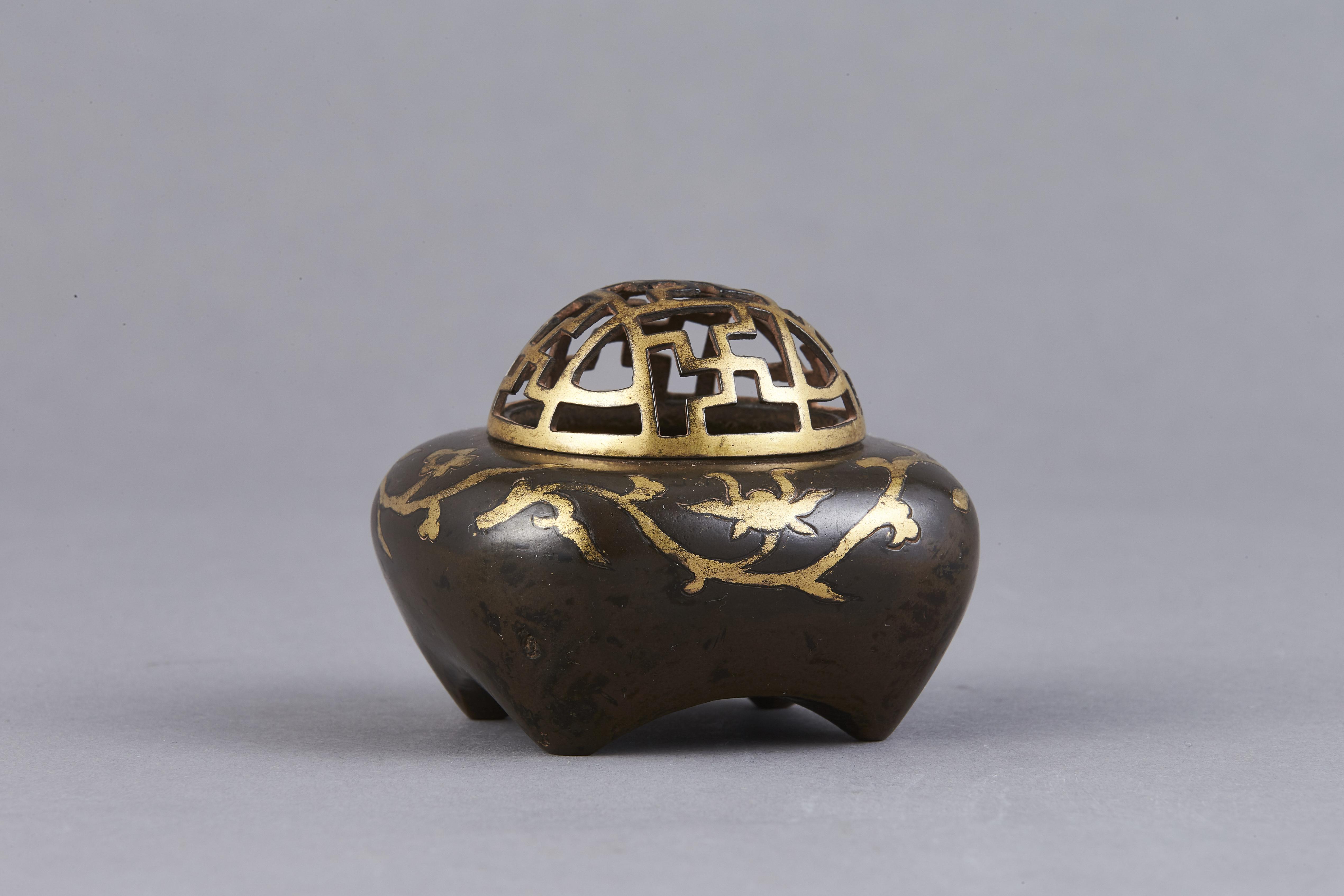 170998明 銅 局部鎏金 花紋 香爐