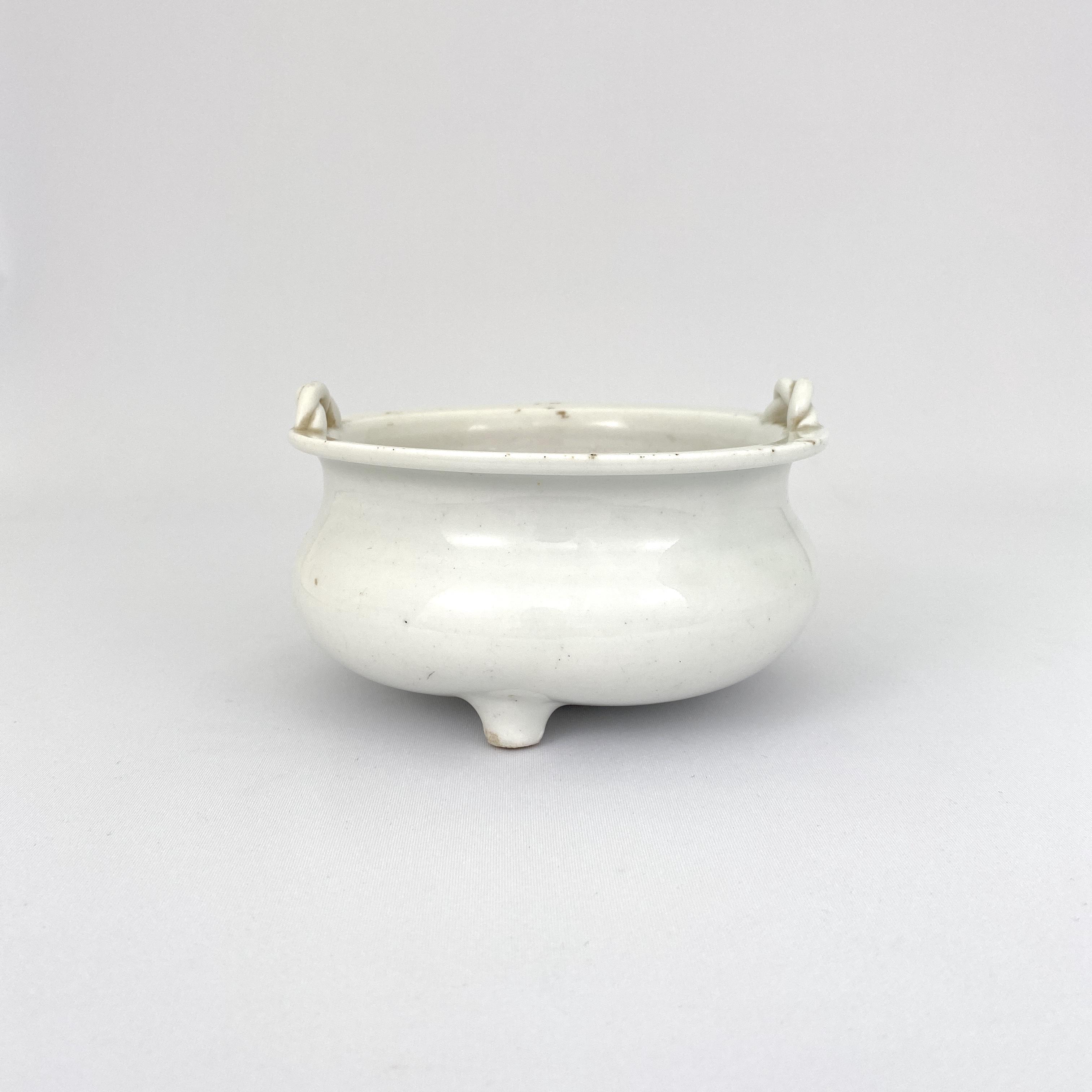 10111清 徳化窯 索耳爐
