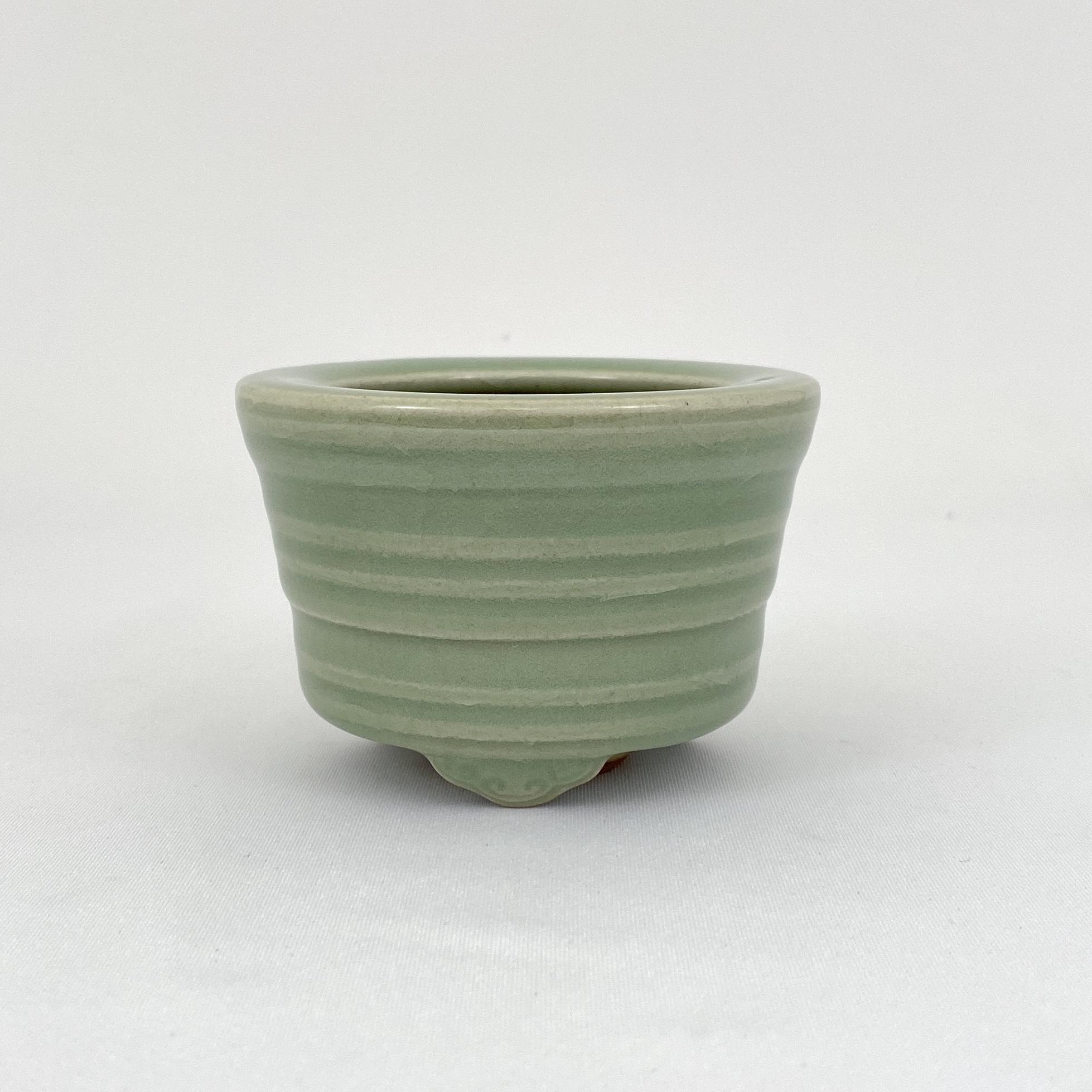 10117明 龍泉窯 三足爐