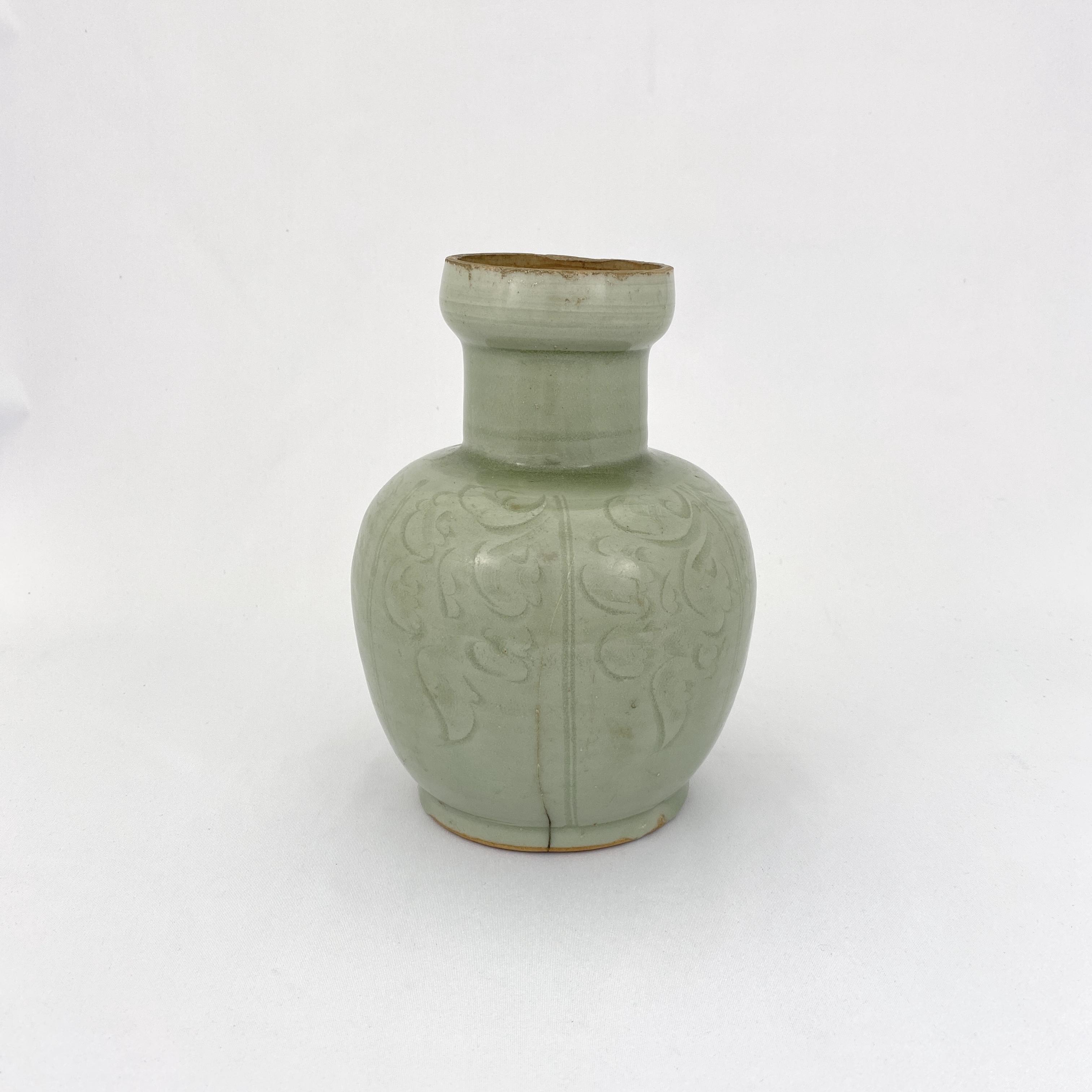 10204北宋 龍泉窯 刻花紋 瓶