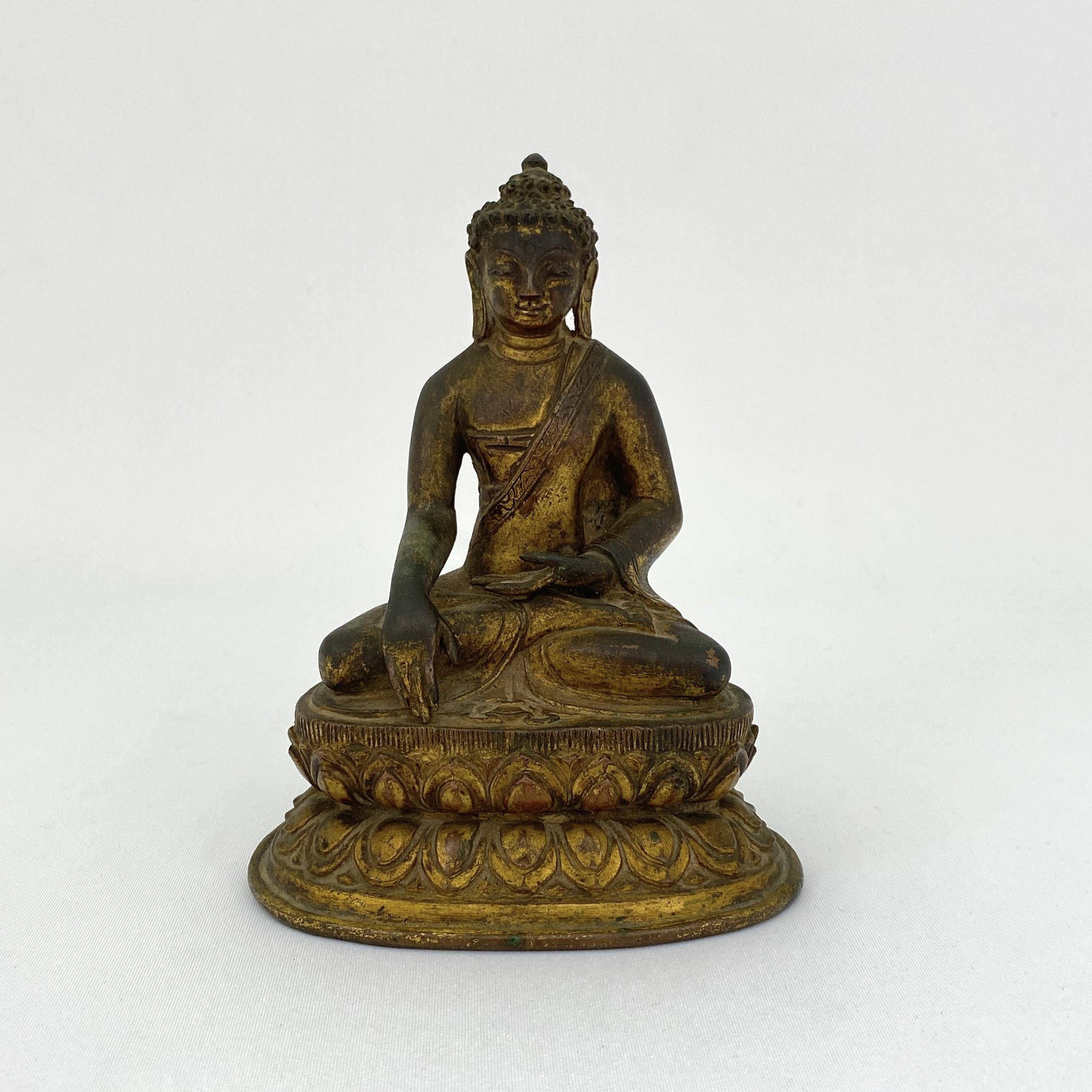 10218西蔵十四/十五世紀 銅鎏金 釋迦牟尼坐像