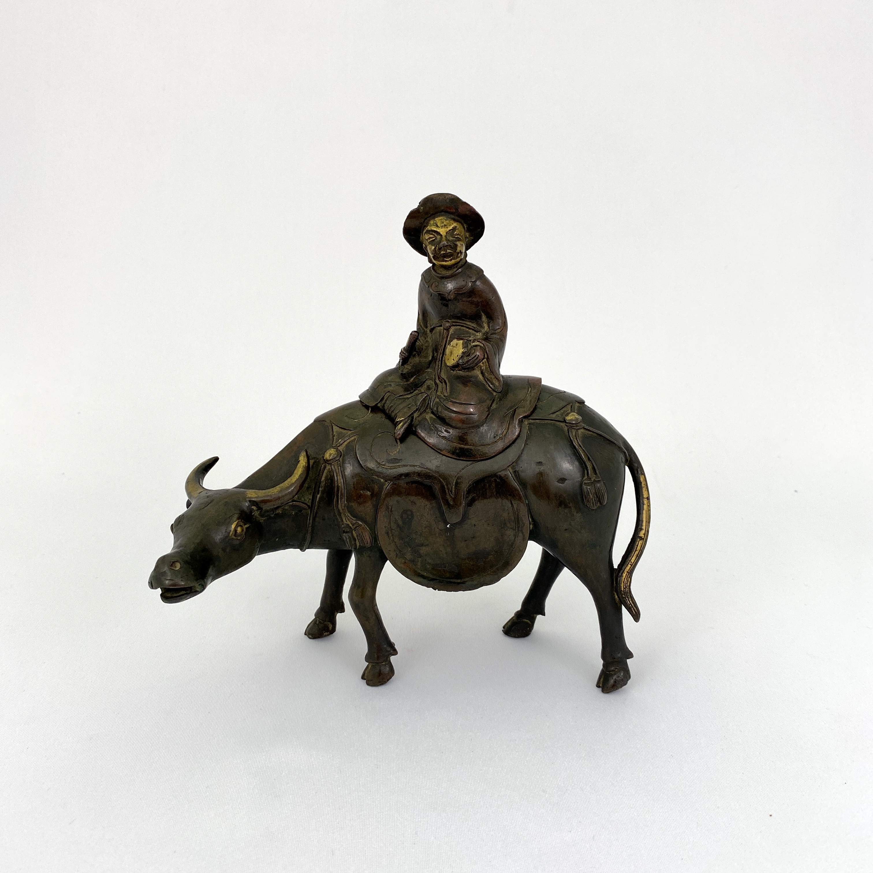 10230明 銅漆彩 騎牛人物香爐