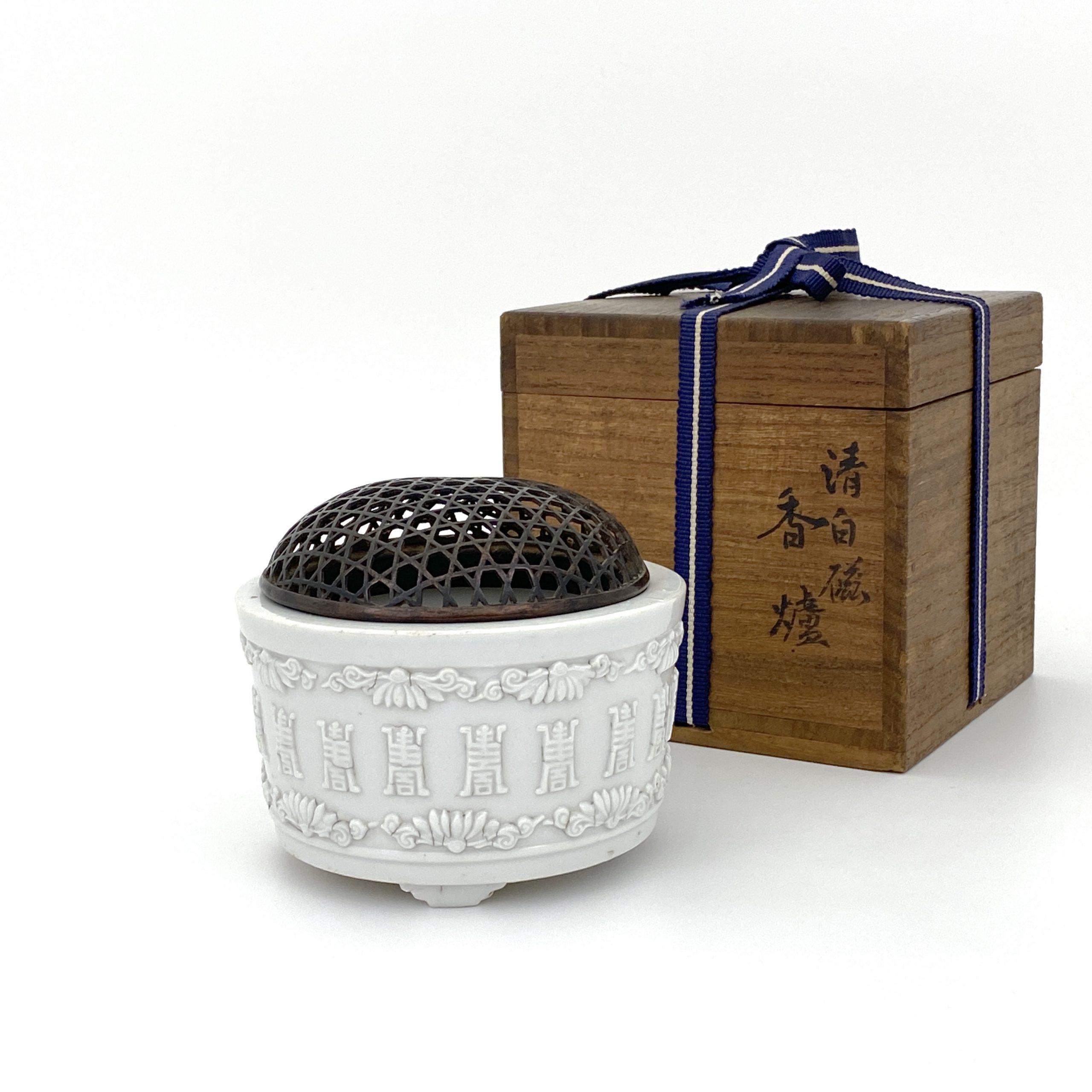 30106清 徳化窯 貼花 三足爐