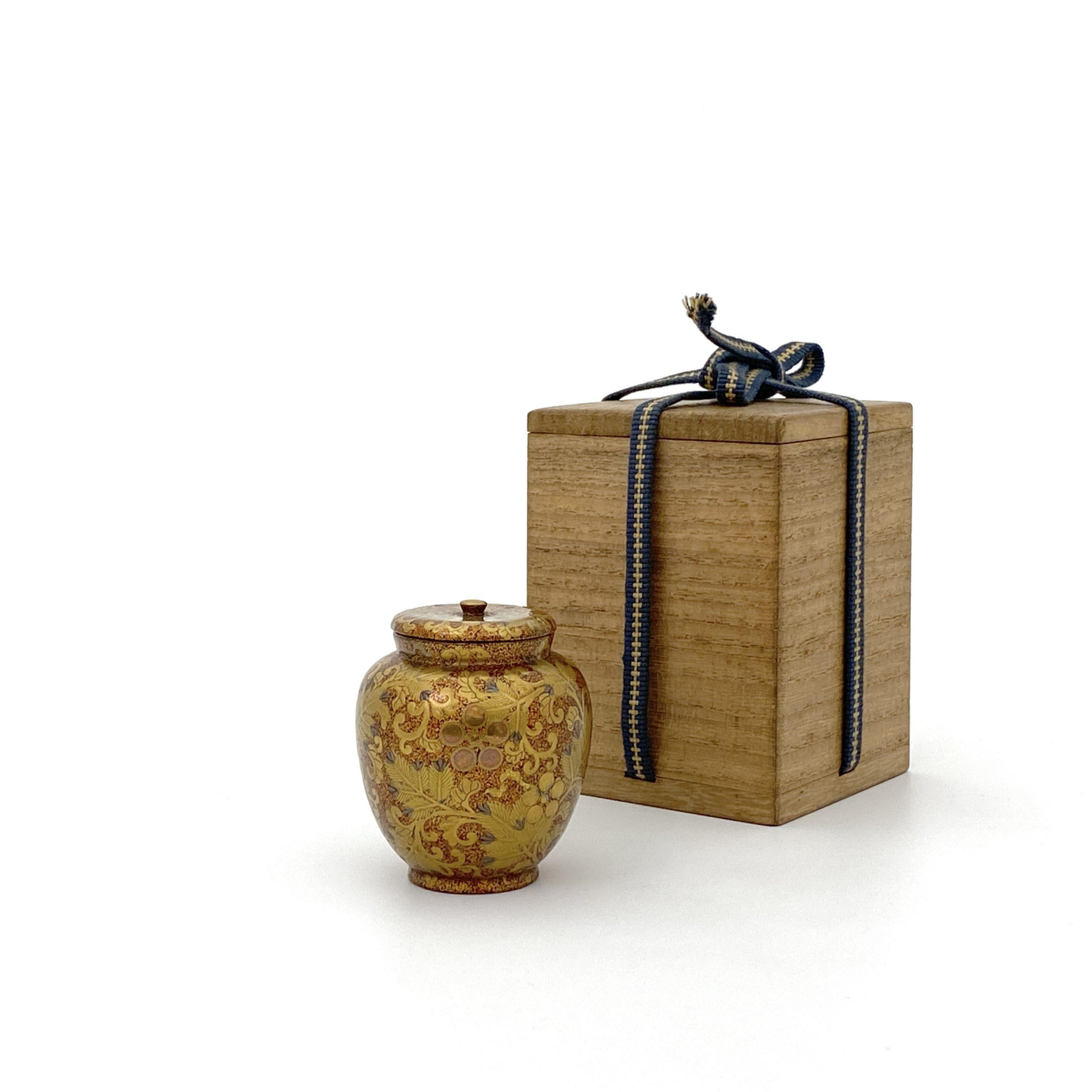 30208蒔絵 花紋 蓋盒