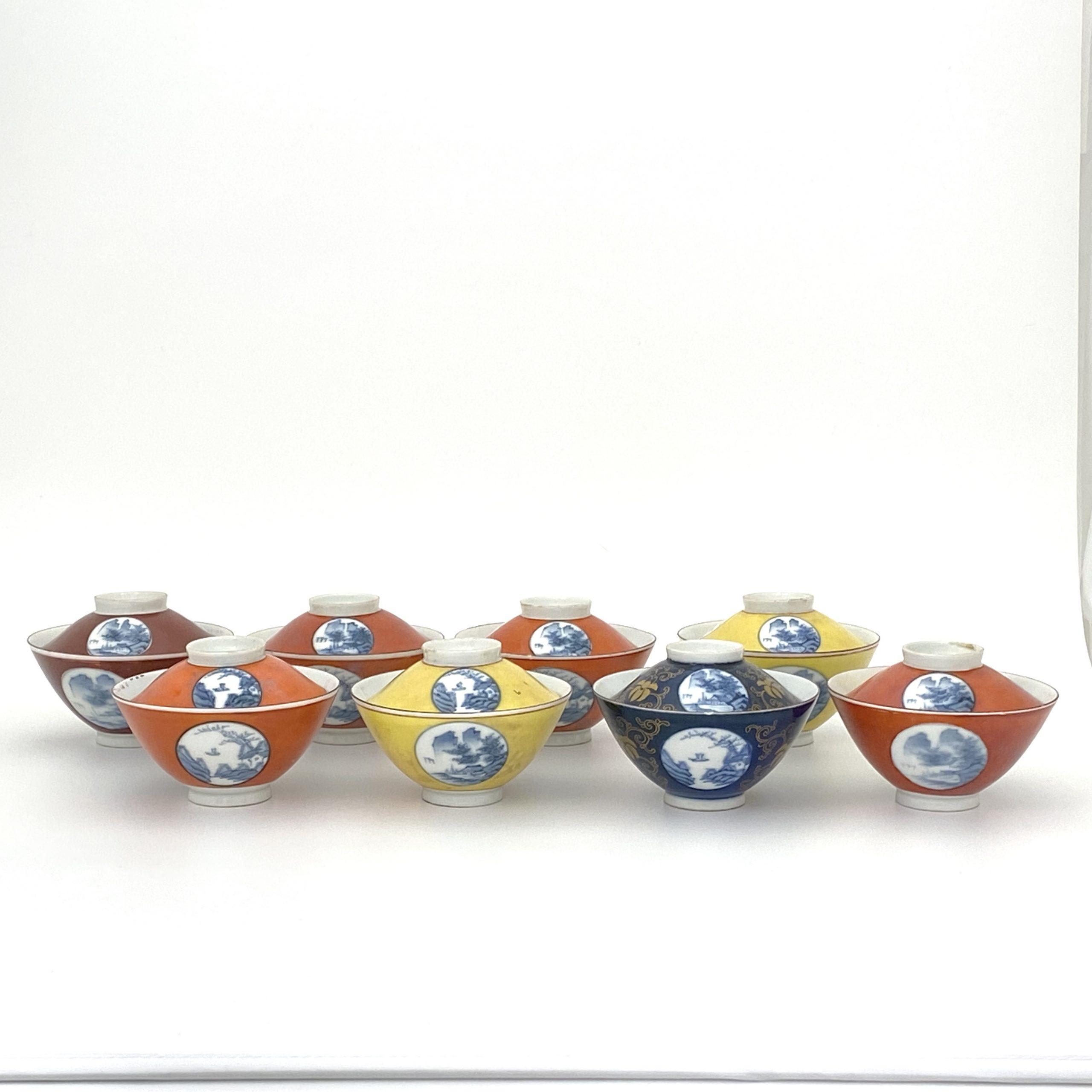 30045「大清乾隆年製」款 紅地青花 山水図 蓋碗等 計8件