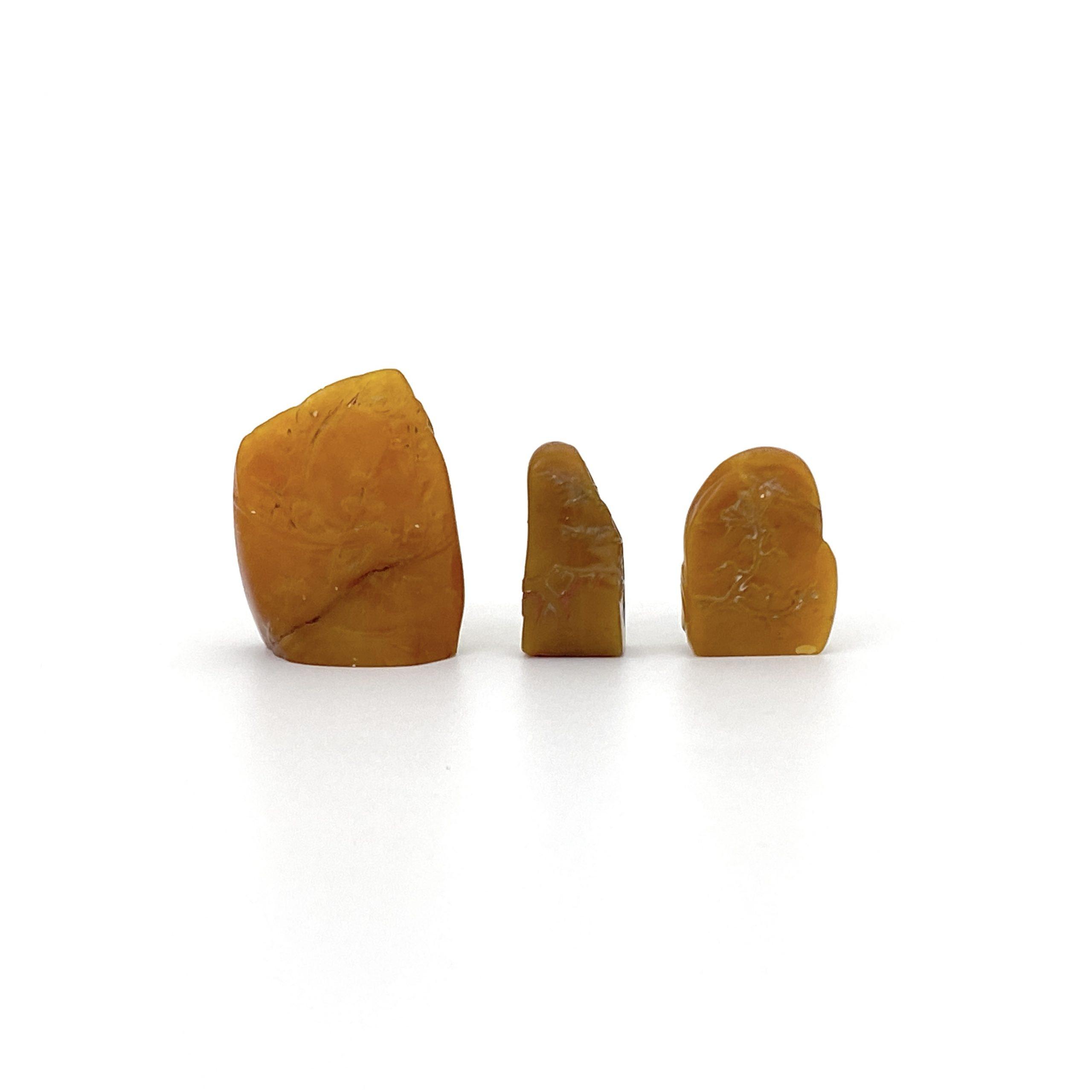 30465壽山石雕 梅花紋 印材等 計3件