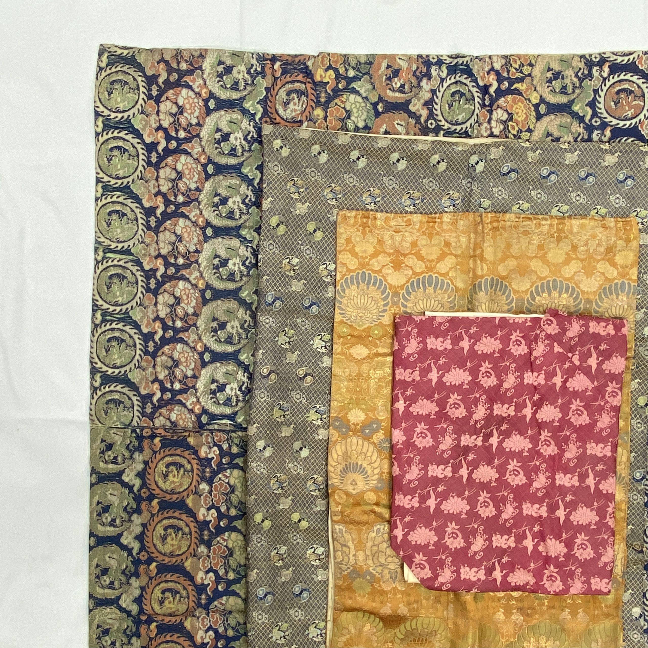 30479清「天保十二年」款 藍地龍紋 掛屏等 計4件130×130cm