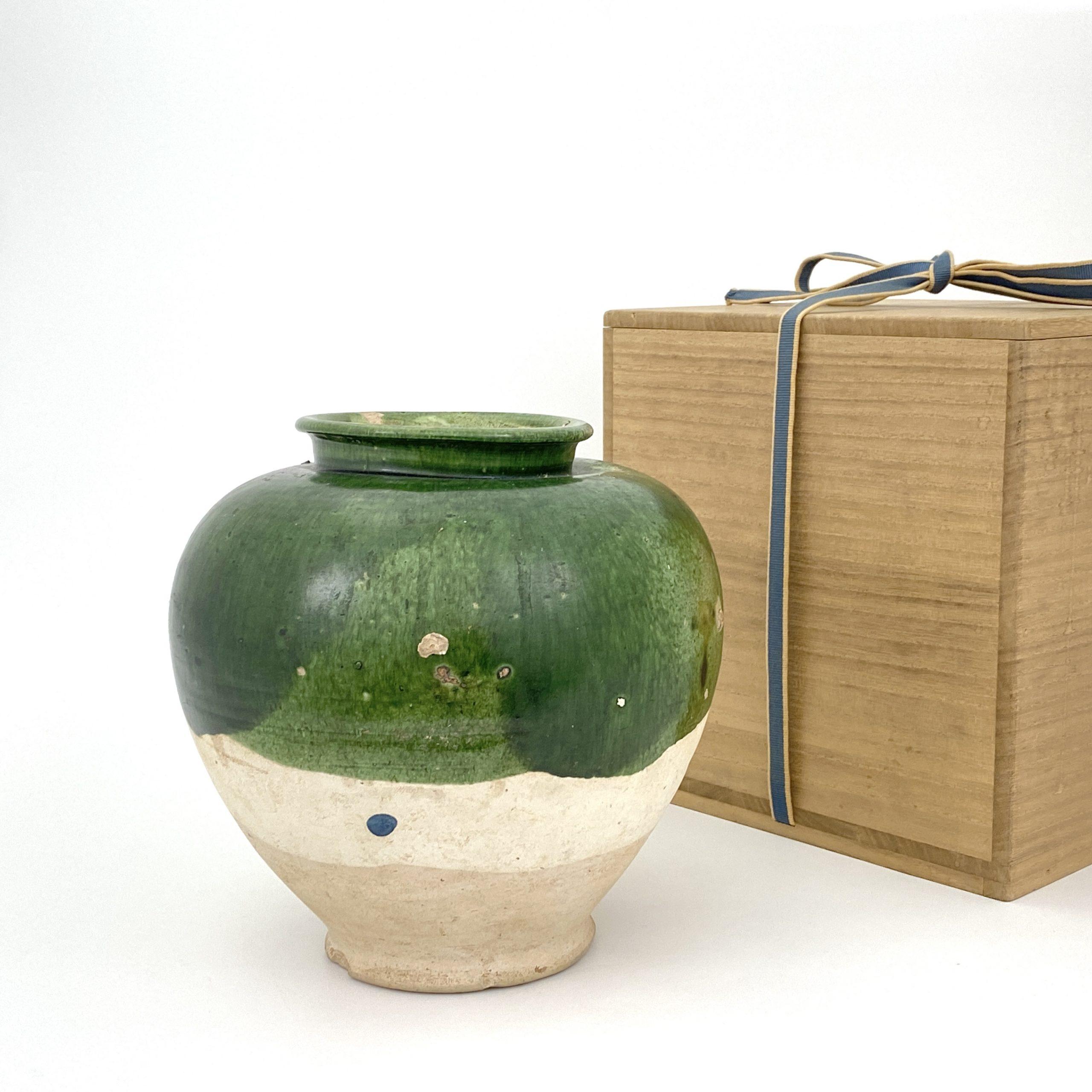 20037唐 緑釉 万年壺