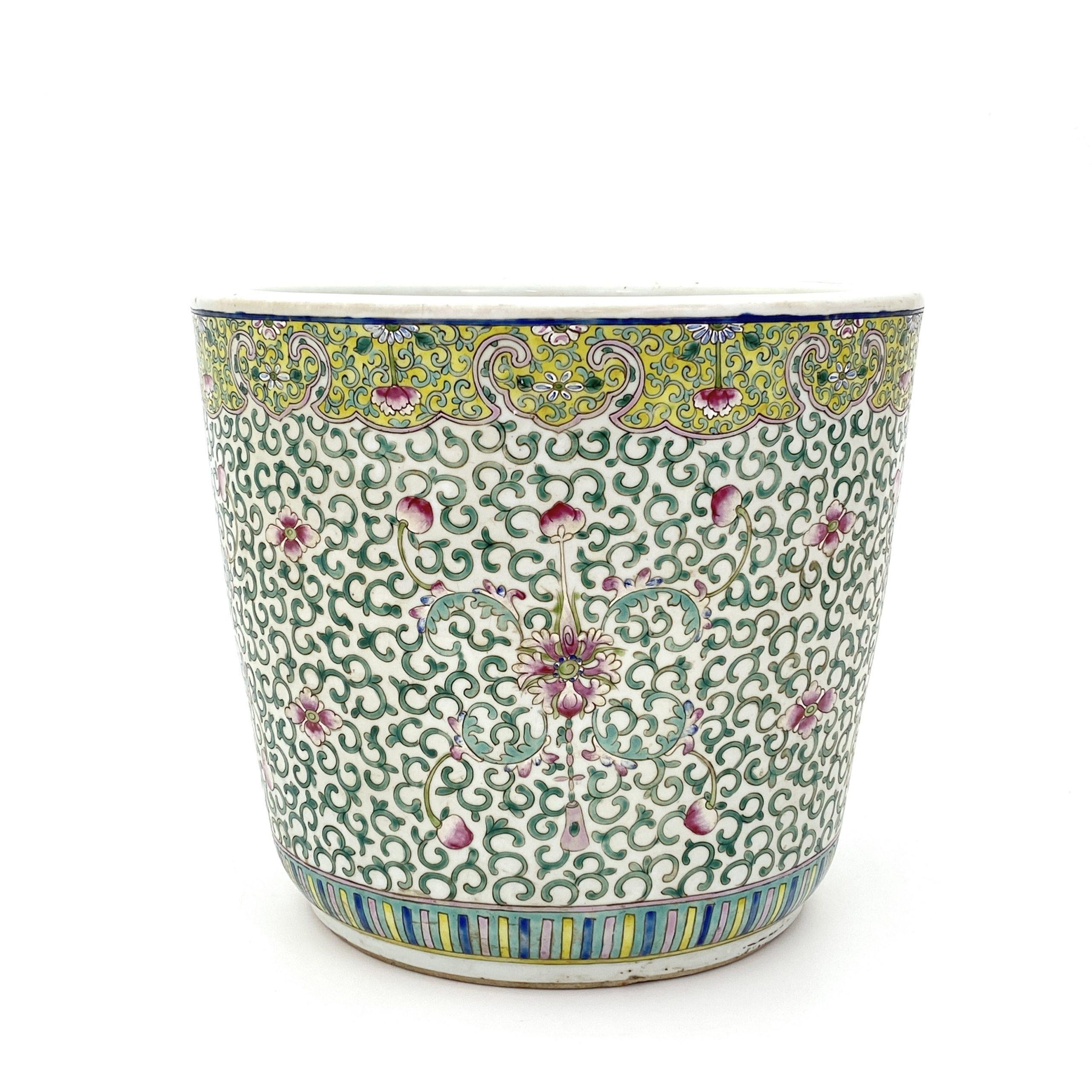 21058粉彩 蓮花紋 水缸