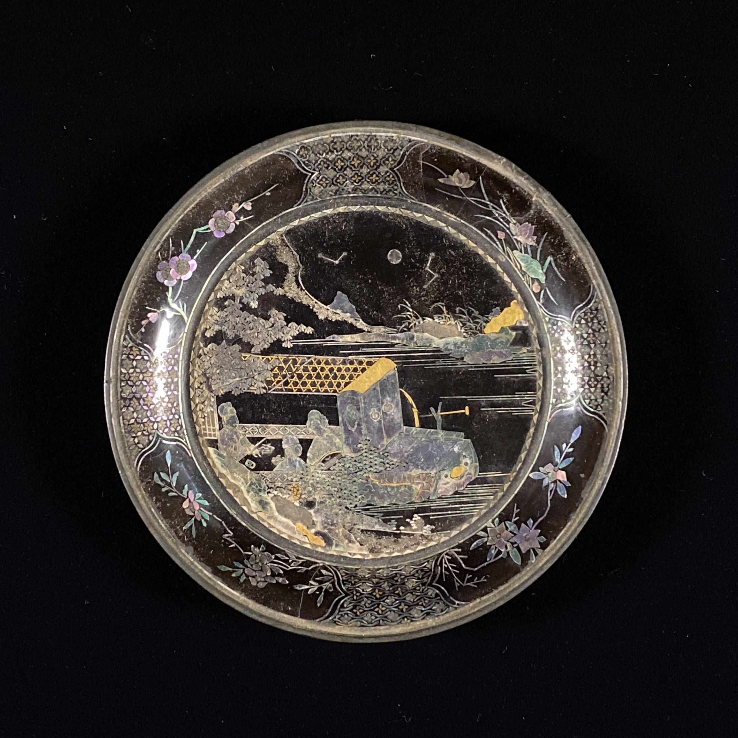21654清早期「千里」款 黒漆嵌螺鈿 舟人物紋 盤