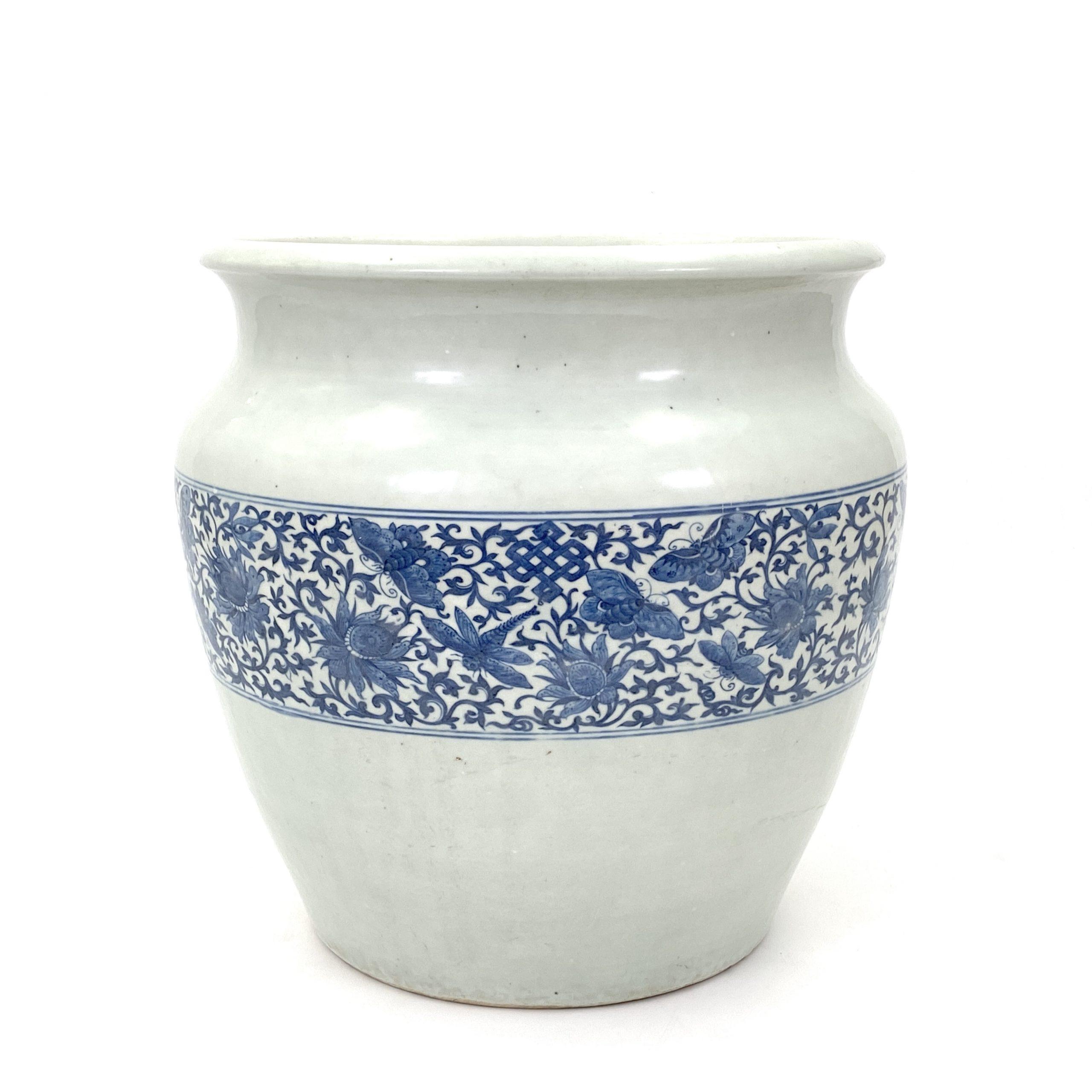21668清「嘉慶二十三年戊寅製」款 青花 花虫図 缸