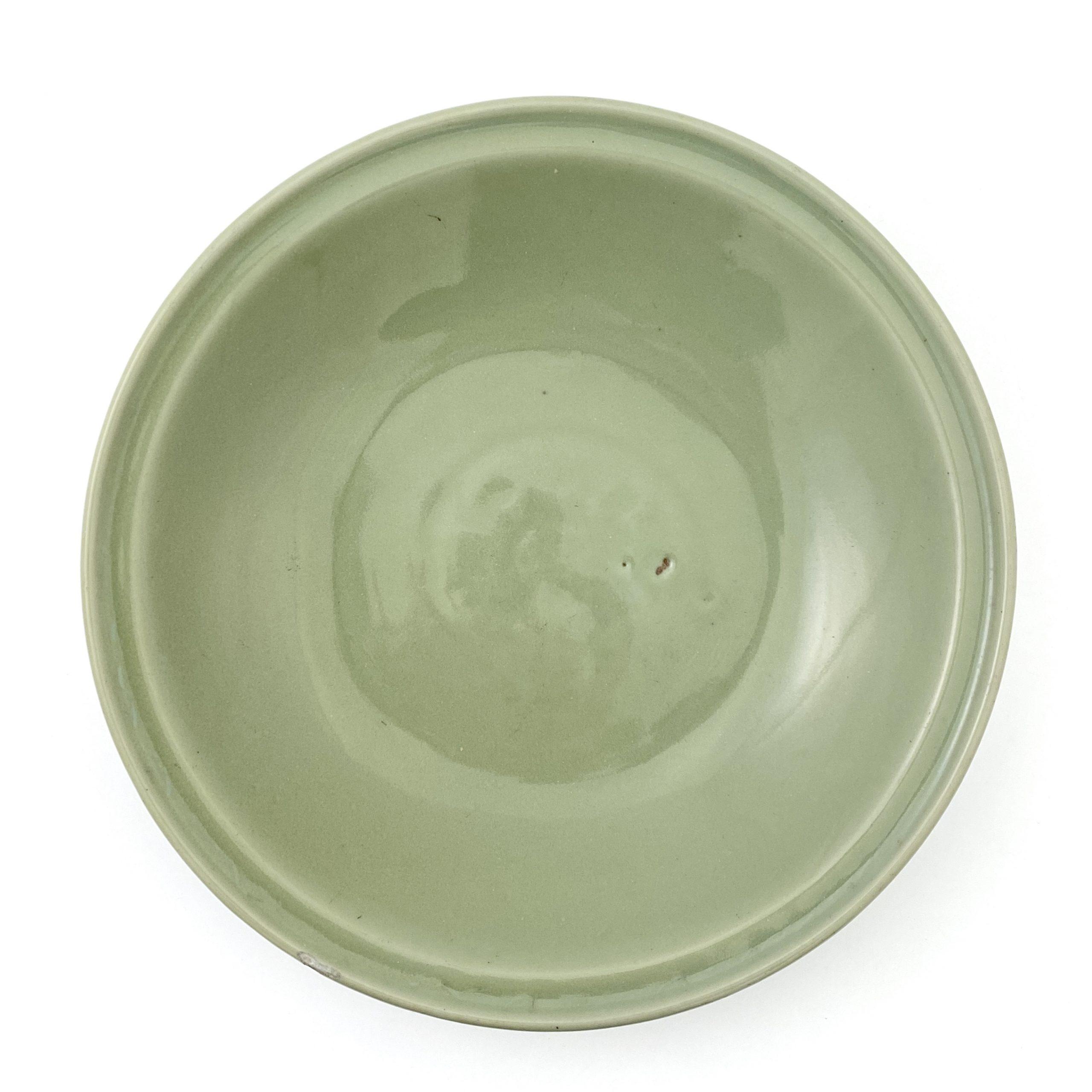 21074明 龍泉窯 刻花紋 盤