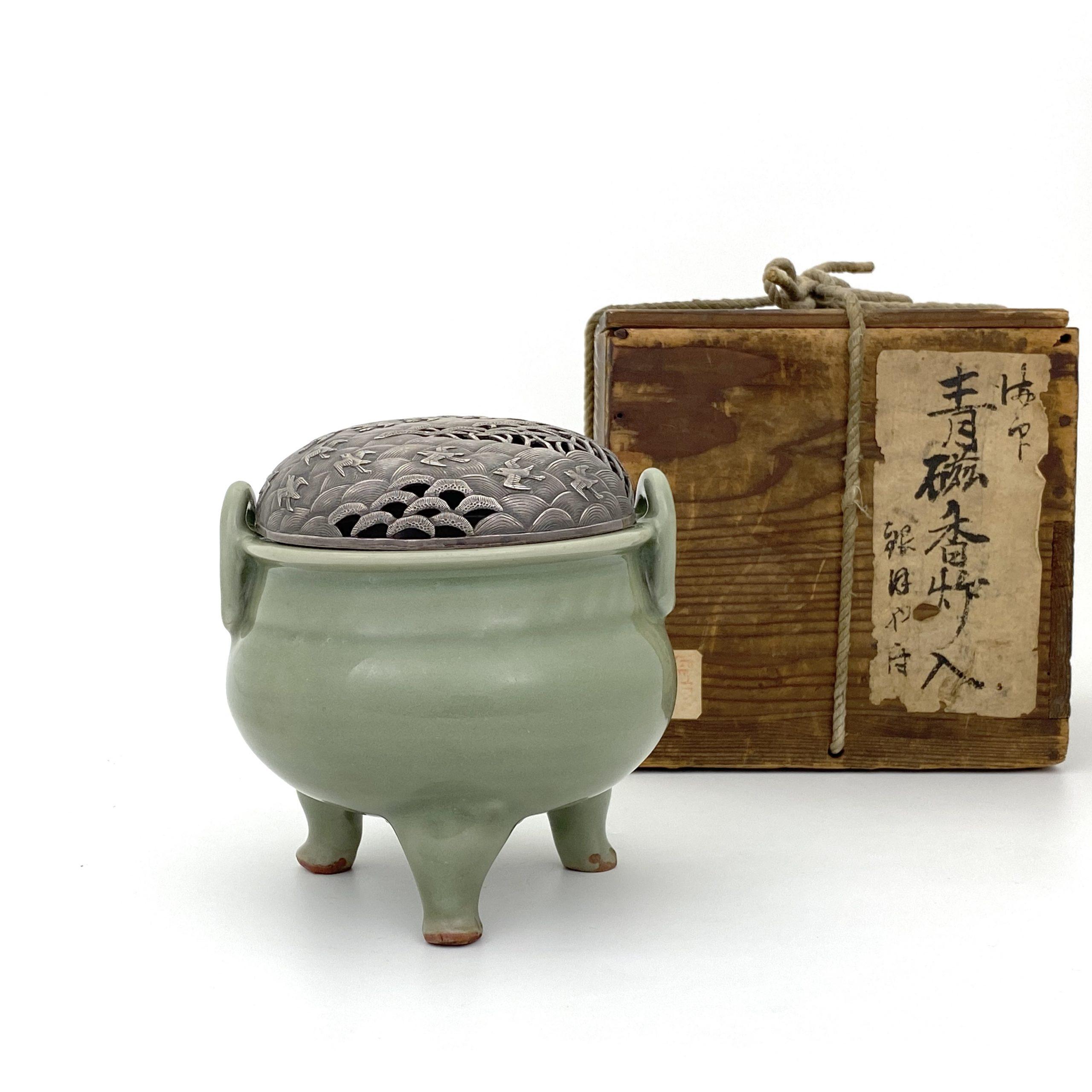 21096明初 龍泉窯 鼎式 爐